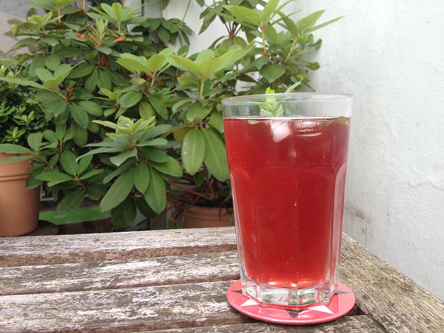Dessous de verre - thé glacé dans le patio